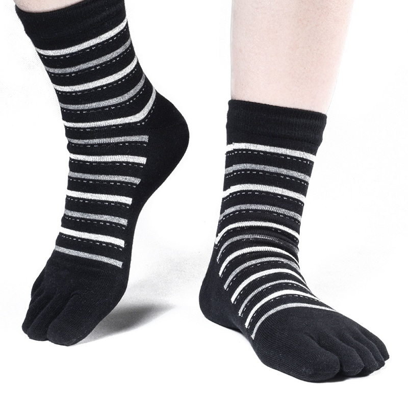 Striped five fingers socks for men